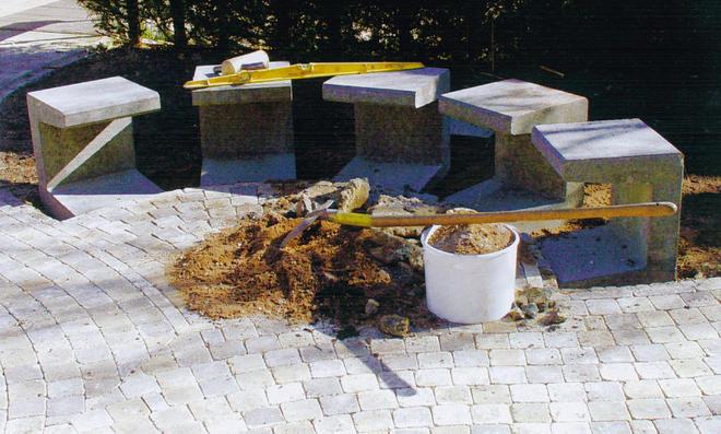 Gartenbank selber bauen stein  Halbrunde Gartenbank | selbst.de