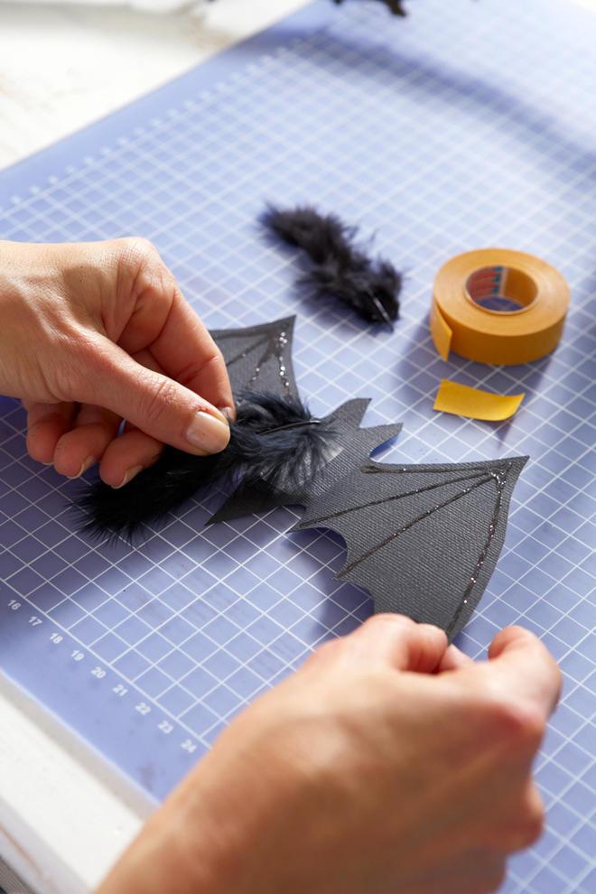 Halloween: Fledermäuse basteln   selbst.de