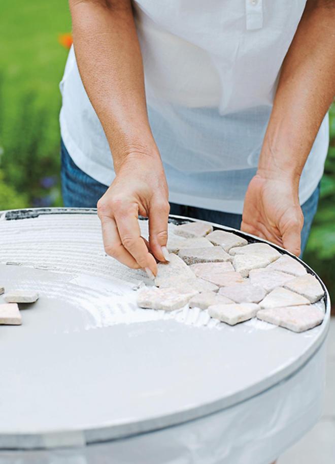 Gartentisch selber bauen fliesen  Mosaiktisch selber machen | selbst.de
