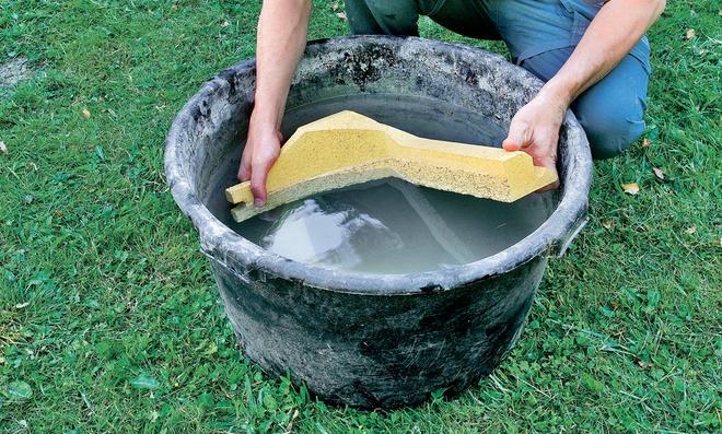Schamottesteine wässern