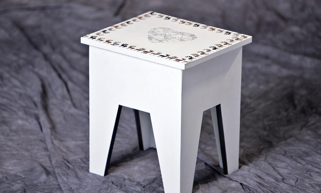 Hocker mit Serviettentechnik