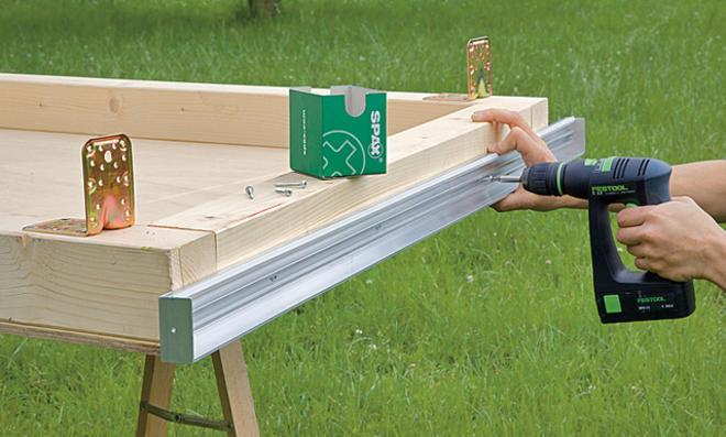 Stegplatten-Profil festschrauben