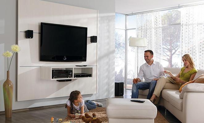 fernseher an die wand. Black Bedroom Furniture Sets. Home Design Ideas