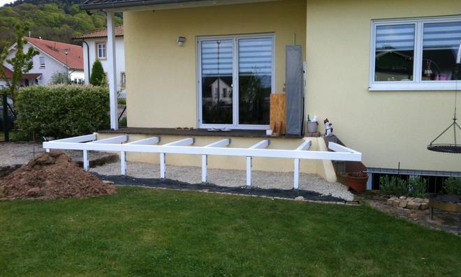 terrasse auf stelzen terrasse auf stelzen bauen ja auf. Black Bedroom Furniture Sets. Home Design Ideas