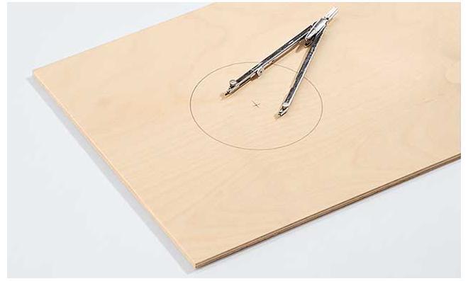 Cajón: Schallloch zeichnen