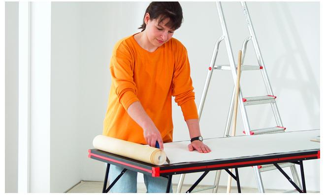 zimmerdecke tapezieren latest wnde und decke nach der verputzt tapeziert und gestrichen with. Black Bedroom Furniture Sets. Home Design Ideas