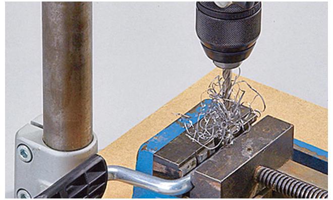 Dreirad selber bauen: Pedal aufbohren
