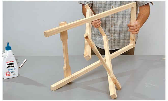 Tischgestell zusammensetzen