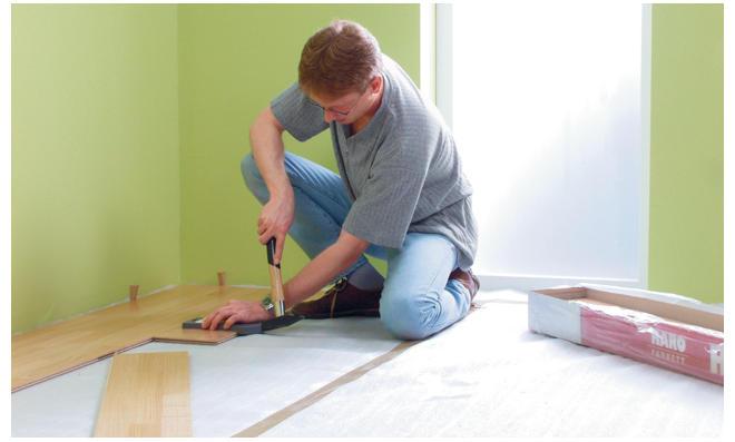Fußboden Verlegen Werkzeug ~ Holzfußboden im bad selber machen heimwerkermagazin