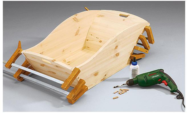 Holz-Schubkarre leimen
