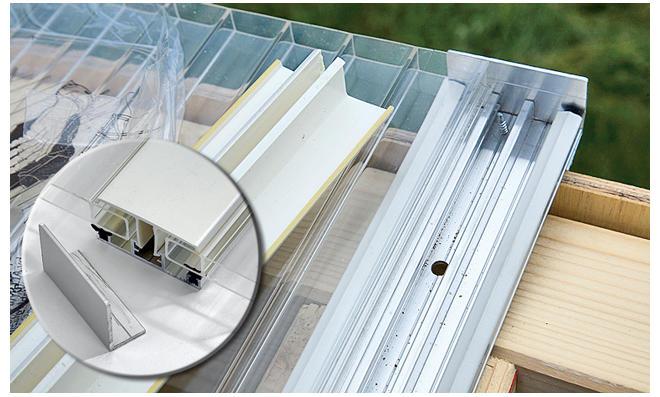 Dach: Doppelstegplatten einsetzen