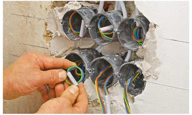 elektrik neu verlegen anleitung simple b nymj x knnen auf oder unter putz verlegt werden. Black Bedroom Furniture Sets. Home Design Ideas