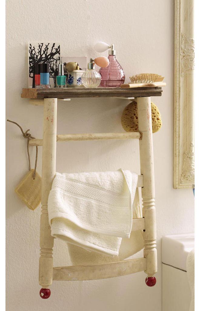 stuhl als badregal. Black Bedroom Furniture Sets. Home Design Ideas