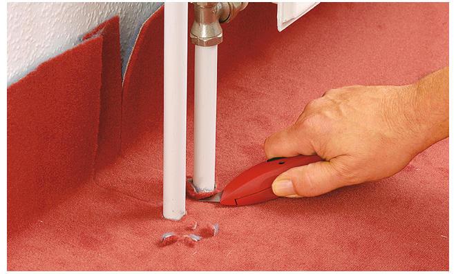 Runde Ausschnitte für Heizungsrohre herstellen