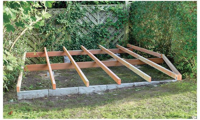 Holzterrasse bauen - Holzpodest garten ...