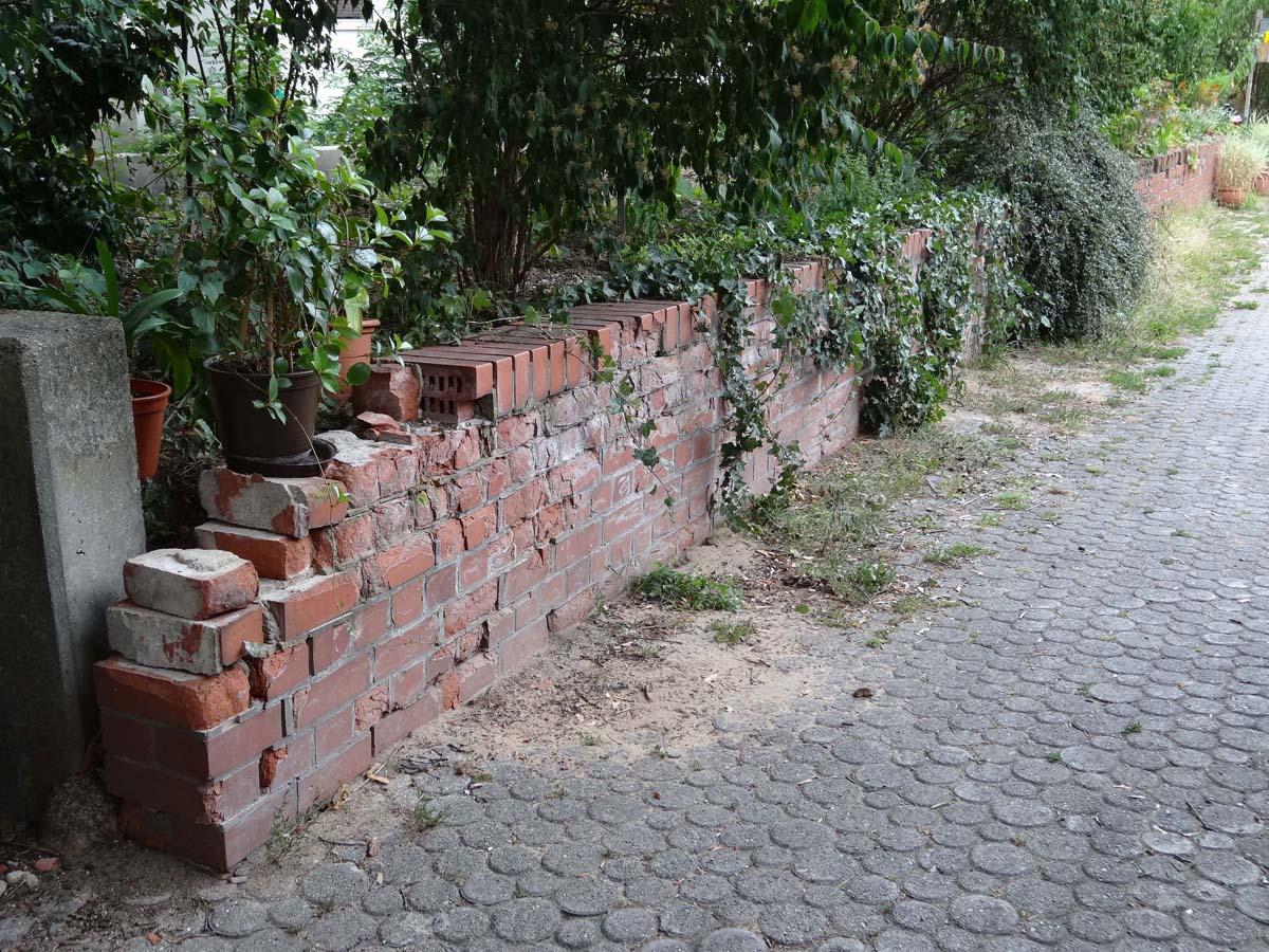 Alte Ziegelmauer Sanieren : alte ziegel gartenmauer sanieren und gestalten ~ A.2002-acura-tl-radio.info Haus und Dekorationen